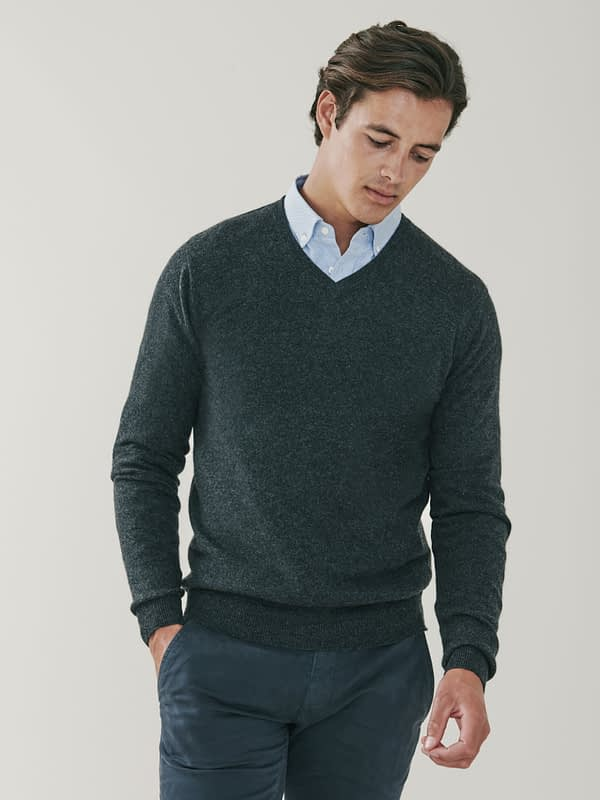 Killington Cashmere V Neck Sweater - Dark Charcoal