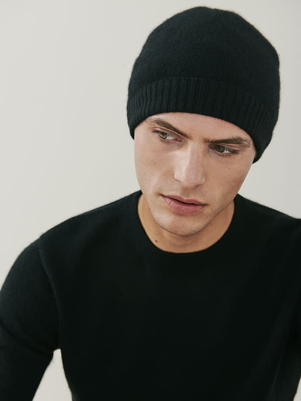 Powder Cashmere Ribbed Beanie - Black