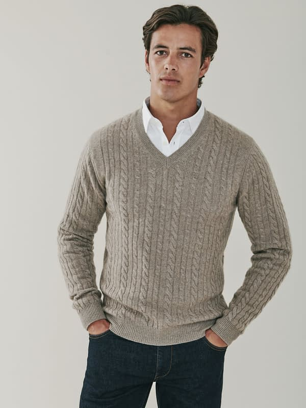 Boulder Cable Knit Cashmere V Neck - Beige
