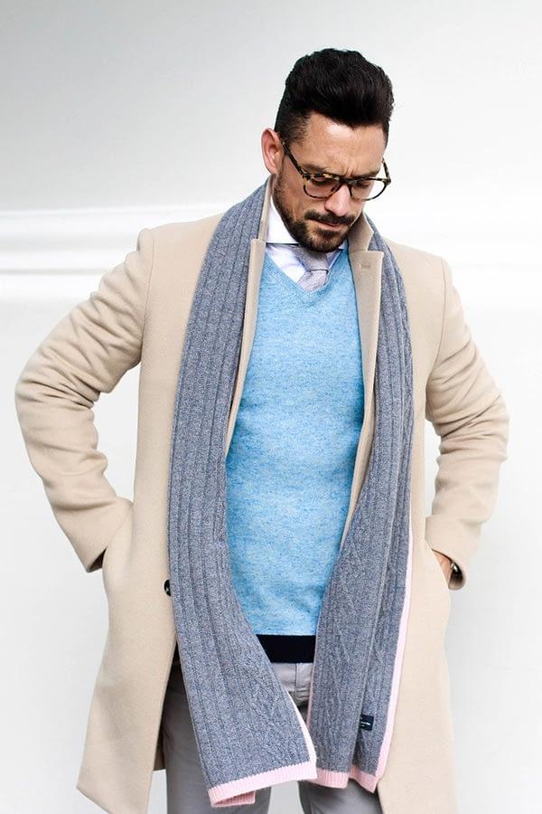 Ludlow V Neck Sweater In Melange Blue
