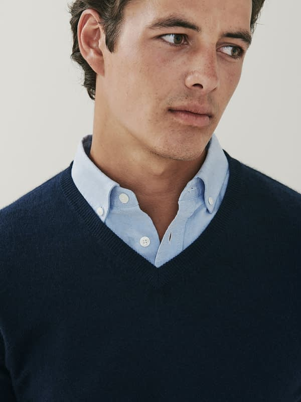 Killington Cashmere V Neck Sweater - Dark Navy